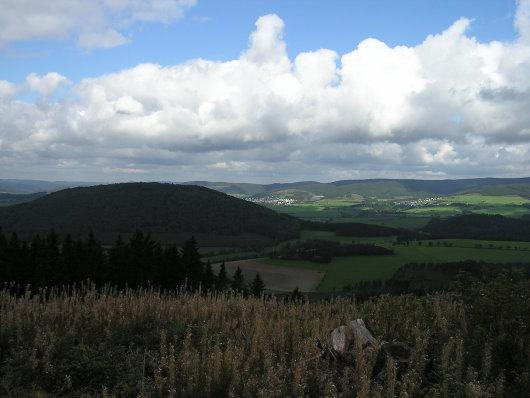 Von der Höhe -694 m- der Blick in Richtung Norden.