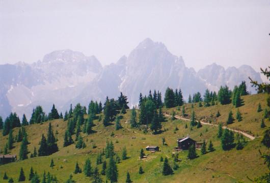 Winklener Hütte mit Lienzer Dolomiten