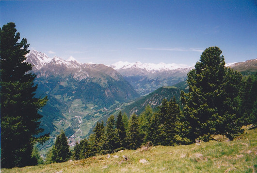 Blick in das obere Mölltal. Im Hintergrund die Glocknergruppe.