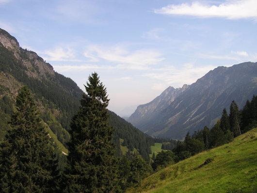 Von der Peters Alpe der Blick zurück in Richtung Oberstdorf.
