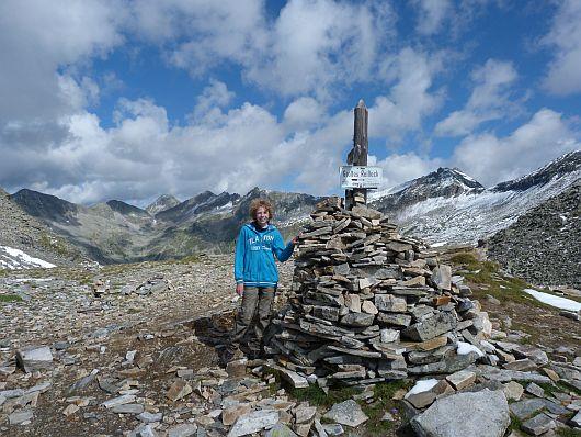 Nils im Riekentörl. Links der Bildmitte zeigt sich das 3087 m hohe Säuleck, dass auch schon bestiegen wurde (hier der Link dazu).