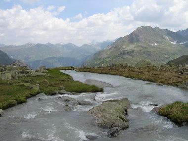 Am linken Bildrand die Zollhuette ca. 2.200 m.