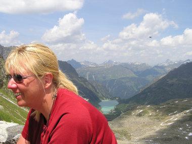 Der Blick von der Saarbrueckener Huette zum Vermunt Stausee.