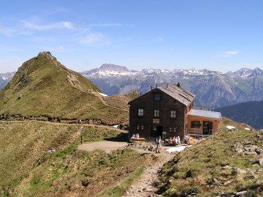Die Wormser Huette 2.305 m.